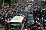 FOTO JAKARTA MACET PARAH : Kemacetan Parah Melanda Jakarta