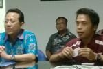 Ketua DPD Irman Gusman dan Wapemred Solopos Suwarmin (Rini Yustiningsih/JIBI/Solopos)