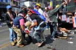 Ledakan Warnai Unjuk Rasa, 28 Demonstran Terluka
