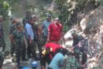 LONGSOR KLATEN : 5.000 Karung Pasir dan Bronjong Kawat Dipasang di Kali Jarum