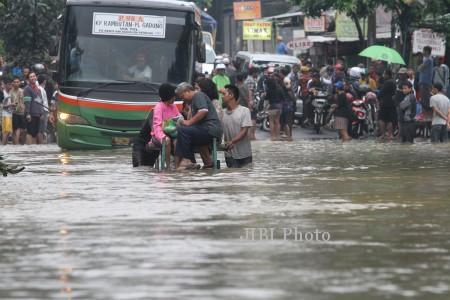 banjir-JAKARTA-130114-M-Agung-Rajasa-ant