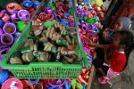 FOTO SEKATEN : Memilih Mainan Berbahan Tanah Liat