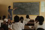 Ilustrasi guru (JIBI/Solopos/Ardiansyah Indra Kumala)  Guru matematika Supriyani mengajar siswa kelas V di SD Negeri Beton, Kampung Sewuse, Solo, Senin (6/1). Sekolah di Solo mulai masuk setelah liburan semester.