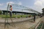 FOTO HAUL HABIB ALI BIN MUHAMMAD AL HABSYI : Mempersiapkan Tenda Peneduh