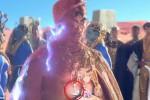 Kalung berlafal Allah di video Katy Perry (dailymail.co.uk)