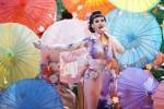 Katy Perry yang dianggap rasis saat mengenakan baju geisha Jepang (Nydailynews.com)