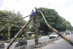 KECELAKAAN SOLO : Truk Kontainer Tabrak Portal Jembatan KA Jurug