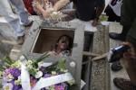 KISAH UNIK  :  Di Kuba Ada Festival Kubur Orang Hidup-hidup