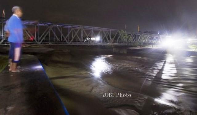 Permukaan sungai konto meningkat drastis akibat dialiri lahar dingin