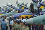 ALUTSISTA TNI : SBY: Indonesia Cinta Damai, Perang Jalan Terakhir