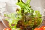 Sayuran hijau sebagai salah satu makanan yang dapat membantu menurunkan berat badan (Magforwomen.com)