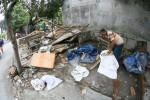 FOTO PEDAGANG BURUNG DEPOK : Membongkar Lapak