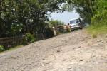 Kondisi jalan kabupaten yang menghubungkan empat desa di wilayah Kecamatan Selogiri rusak parah, Jumat (28/2/2014).(JIBI/Solopos/Bony Eko Wicaksono)