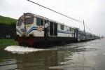 BANJIR JAKARTA : Stasiun Kota dan Tanah Abang Terendam Banjir, KRL Tergangu