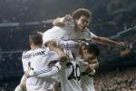 Para pemain Real Madrid merayakan golnya ke gawang Atletico Madrid dalam semifinal leg pertama Copa del Rey di Santiago Bernabeu, Kamis (6/2/2014) dini hari WIB (JIBI/Solopos/Reuters)