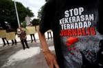 FOTO TOLAK KEKERASAN WARTAWAN : Mengutuk Aksi Kekerasan