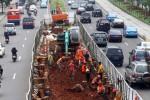 FOTO PEMBANGUNAN MRT : Menyiapkan Kontruksi Layang