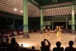 FOTO MALEM NEMLIKURAN : Tari Srimpi Gondokusumo