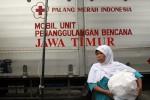 FOTO DAMPAK LETUSAN GUNUNG KELUD : Bantuan PMI Untuk Warga Kelud