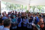 KESEJAHTERAAN PENDIDIK : PGRI Usulkan Gaji Guru Non PNS Rp1 Juta