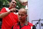JOKOWI CAPRES : Kader PDIP Karanganyar Cukur Gundul