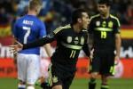 Gelandang serang Spanyol Pedro berselebrasi setelah ciptakan gol ke Italia. JIBI/Rtr/Paul Hanna