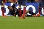Kiper Barcelona Victor Valdes mengalami cedera saat melawan Celta Vigo. JIBI/Reuters/Albert Gea