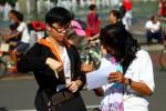 FOTO SOSIALISASI BAHASA ISYARAT : Memberikan Informasi Bahasa Isyarat