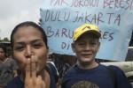 FOTO JOKOWI CAPRES : Jokowi Didemo Waria