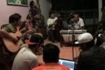 Ajang latihan juga sering dijadikan arena diskusi dan curhat bagi anggota komunitas keroncong dan hip hop, Ras of Nation. (JIBI/Solopos/Istimewa)