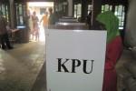 Sejumlah warga memberikan hak suaranya saat digelar pemilihan ulang untuk Pemilu Legislatif (Pileg) 2014 DPRD Kabupaten Sragen di TPS 7 Desa Gabugan, Tanon, Kamis (10/4). Pemilihan ulang dilakukan lantaran saat pileg digelar, Rabu (9/4), terdapat kesalahan surat suara di sejumlah TPS di Gabugan. (JIBI/Solopos/Taufiq Sidik Prakoso)