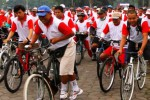 SEPEDA GEMBIRA : 8.700 Peserta Ramaikan Fun Bike Indomaret