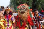 FOTO KEMAH BUDAYA : Kirab Tandani Penutupan Kemah Budaya