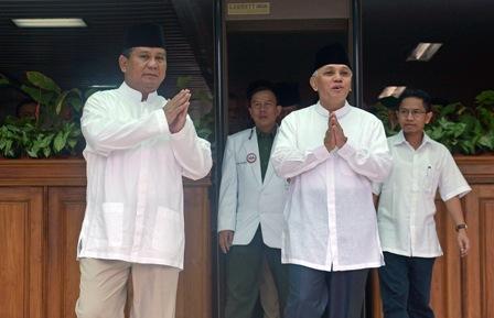 Capres dan Cawapres Prabowo-Hatta memakai baju putih. (JIBI/Antara/Fanny Octavianus)
