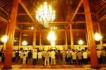 Warga Solo melakukan salat Tarawih di Mesjid Agung Solo, Jawa Tengah, Sabtu (28/6/2014) malam. Sebagian besar warga Kota Bengawan melakukan ibadah puasa perdana mereka dalam Ramadan 2014, Minggu (29/6/2014). (Sunaryo Haryo Bayu/JIBI/Solopos)
