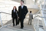 Ilustasi ke kantor dengan menaiki tangga (damienledoux.com)