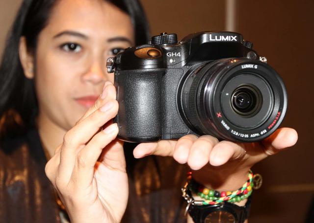 FOTO KAMERA BARU : Ini DMC-GH4, Kamera Mirrorless Terbaru Lumix