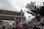 Pelepasan balon harapan oleh The Sahid Rich Jogja Hotel, Sabtu (5/7/2014) sore. (Rima Sekarani/JIBI/Harian Jogja)