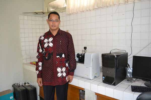Dosen Fakultas Farmasi, Universitas Gadjah Mada (UGM), Abdul Rohmanenjadi peneliti muda terbaik se-Asia Pasifik. (Arif Wahyudi/JIBI/Harian Jogja)
