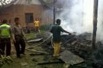 Kondisi bangunan paska kebakaran di Desa Semin, Semin, Jumat (25/7/2014). (Dokumen Polsek Semin)