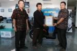 FOTO BISNIS INDONESIA WRITING CONTEST 2014 : Romi Febriyanto Saputro Menangi Best Article