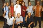 Calon presiden terpilih Joko Widodo alias Jokowi (atas, ketiga dari kiri) bersama Wali Kota Solo F.X. Hadi Rudyatmo alias Rudy (atas, ketiga dari kanan) berfoto bersama sukarelawan PDI Perjuangan saat bertemu di Rumah Dinas Wali Kota Solo Lodji Gandrung, Solo, Jawa Tengah, Sabtu (27/7/2014).(Abdullah Azzam/JIBI/Bisnis)