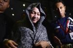 FOTO PEMBERANTASAN KORUPSI : Istri Bupati Karawang Ditahan KPK