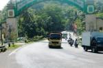 Lalu lintas di jalur Gunungkidul. (JIBI/Harian Jogja/David Kurniawan)