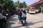 PEMBATASAN BBM BERSUBSIDI : Pasokan Premium Terlambat, SPBU di Bantul 'Diserbu' Pembeli dan Pengecer