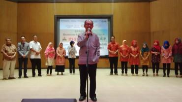 Komisaris Utama Margaria Group Herry Zudianto bersama pengelola, berfoto bersama penerima penghargaan Margaria Group di Auditorium UNY, Selasa (26/8/2014). (JIBI/Harian Jogja/Abdul Hamied Razak)