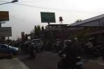 Antrean panjang pembelian bensin di SPBU Sagan, Kamis (28/8/2014) pagi. (JIBI/Harian Jogja/Abdul Hamied Razak)