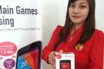 Seorang Sales Promotion Girl memamerkan Andromax G2 QWERTY. Produk terbaru Smartfren ini dilengkapi dengan dua pilihan, keyboard layar sentuh berukuran 3,5 inchi dan permanen QWERTY keyboard. (JIBI/Harian Jogja/Smartfren)