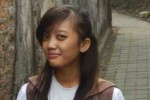 Regina Anggita, siswi SMA pangudi Luhur St. Yosef Solo ini sudah bisa cari uang sendiri dengan mengelola penjualan tas mode tote bag lewat media online. (Istimewa)
