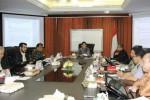 Ketua Majelis Hakim Konstitusi Hamdan Zoelva (tengah) memimpin rapat permusyawaratan hakim (RPH) di Gedung Mahkamah Konstitusi, Jakarta, Rabu (20/8/2014). RPH tersebut diikuti sembilan hakim konstitusi untuk memutus perkara perselisihan hasil pemilihan umum (PHPU) Pemilihan Umum Presiden dan Wakil Presiden (Pilpres) 2014. (Abdullah Azzam/JIBI/Bisnis)